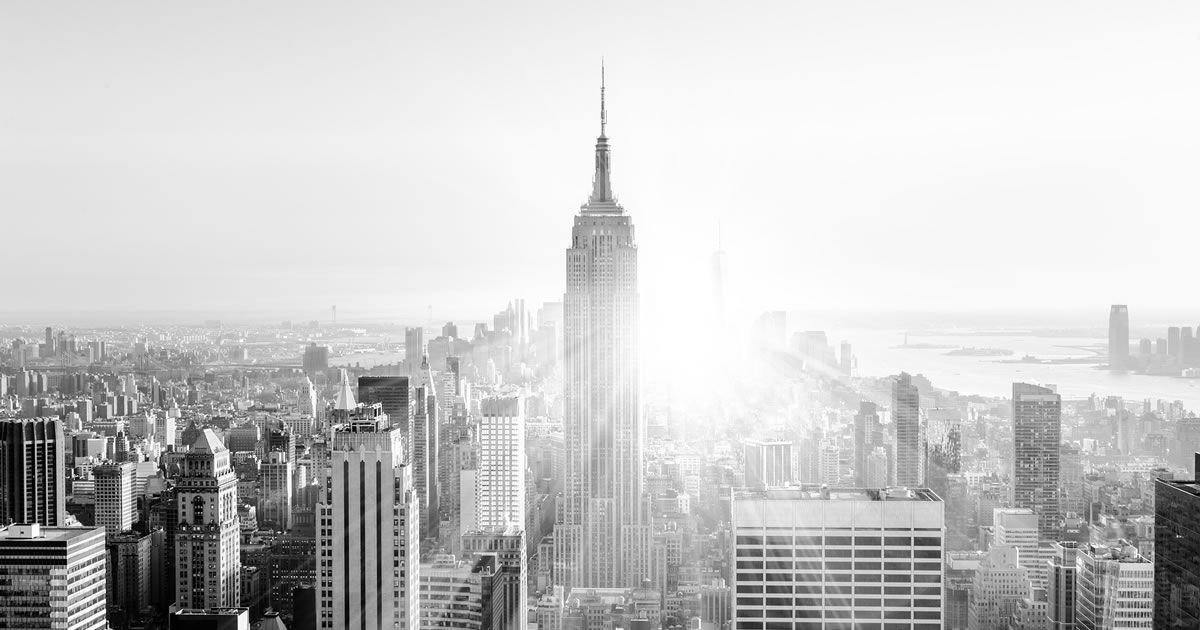 Black and white photo of city skyline