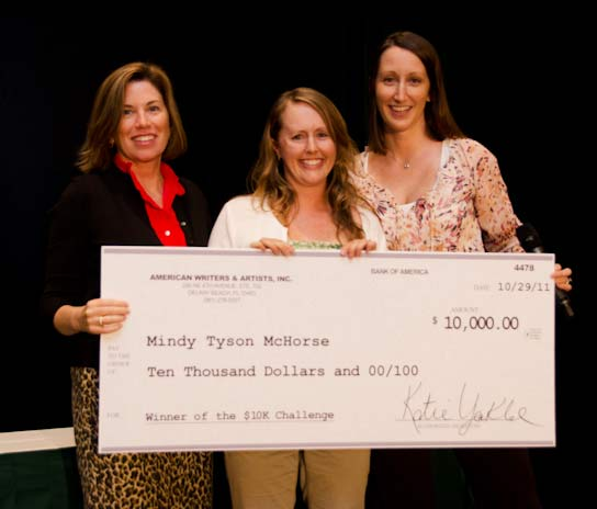 Mindy McHorse with her $10K Check